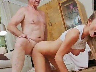Old Guy Blowjob And 3d Young First Time Molly Earns Her Keep