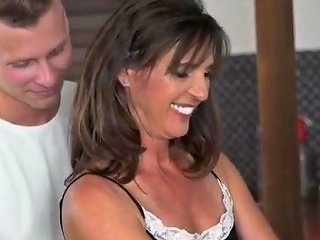 Fun With Hot Brunette Mom Free Hot American Dad Porn Video