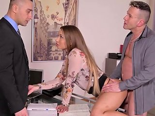 Taylor Sands In Amazing Threesome With Two Blokes