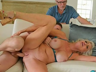 Cuckold Mature Leah L Amour 1920x1080 4000 Porn Videos