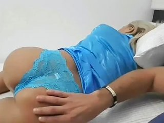 Son With Stepmom Together In Bed Have Strong Erection When See Mom 039 S Ass