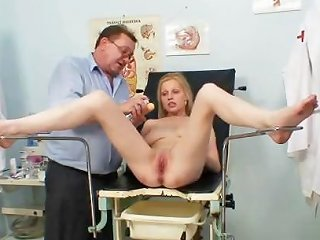 Gynecological Pussy Exam Of Naturaly Big Titted Blondie Drtuber