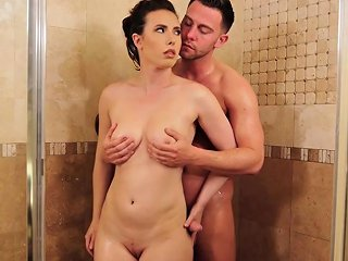 Wet Milf Professional Massage And Sucked A Clients Cock Drtuber