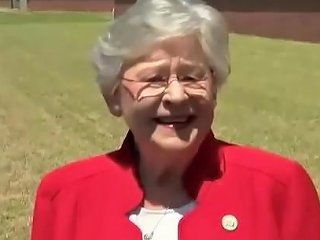 Horny Granny Shoves The Constitution Deep Up America 039 S Ass Fucks Her Hard