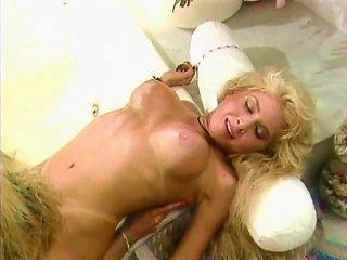 Tammy & Victoria - Classic Lesbian Affair.