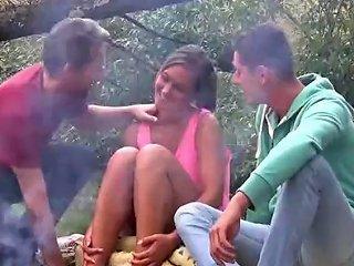 Naomi Bennet Threesome