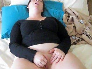 A Curvy Little Cutie Video 4 Free Girls Masturbating Porn Video
