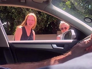 Dickflash 2 Pretty Blonde Teens While Asking Directions