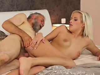 Meets Old Girlpal Surprise Your Gf And She Will Bang With Your Dad