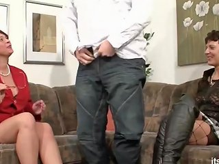 Milf Neigbour Help Old Couple For Good Sex Amp Join German