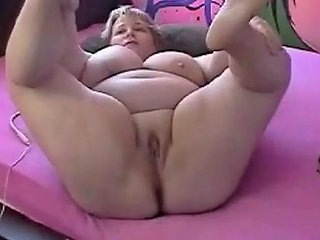 Bbw Mature From Webcamhooker Us Fingers Pussy On Cam