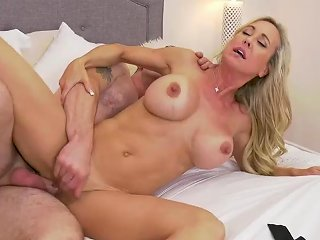 Brandi Love On The Prowl For Young Cock Hd New 25 Aug 2020 Sunporno